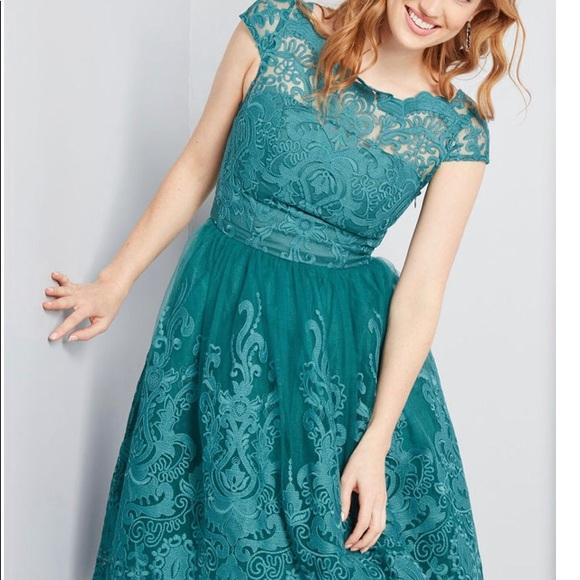 7e02d34a4ad Chi Chi London ModCloth lace green dress sz 8 NWT
